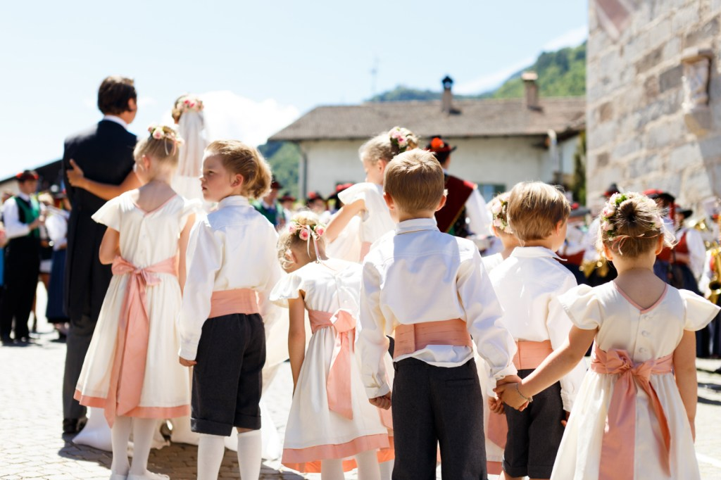 flower kids at a wedding in South Tyrol